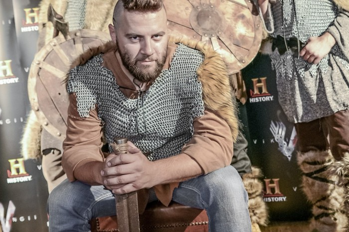 HISTORY - Cosmin Tudoran si vikingii